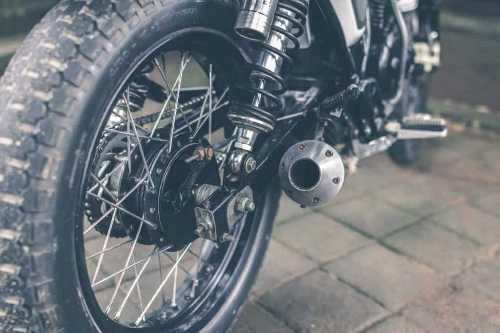 inflating motorcycle tyres