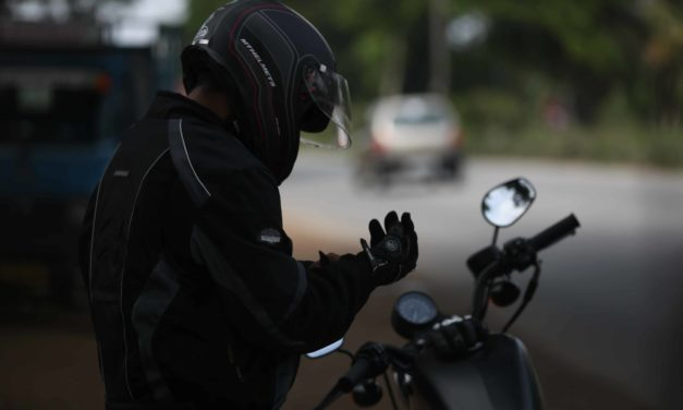 I found some cheap but good riding gloves to buy online : Check them out.